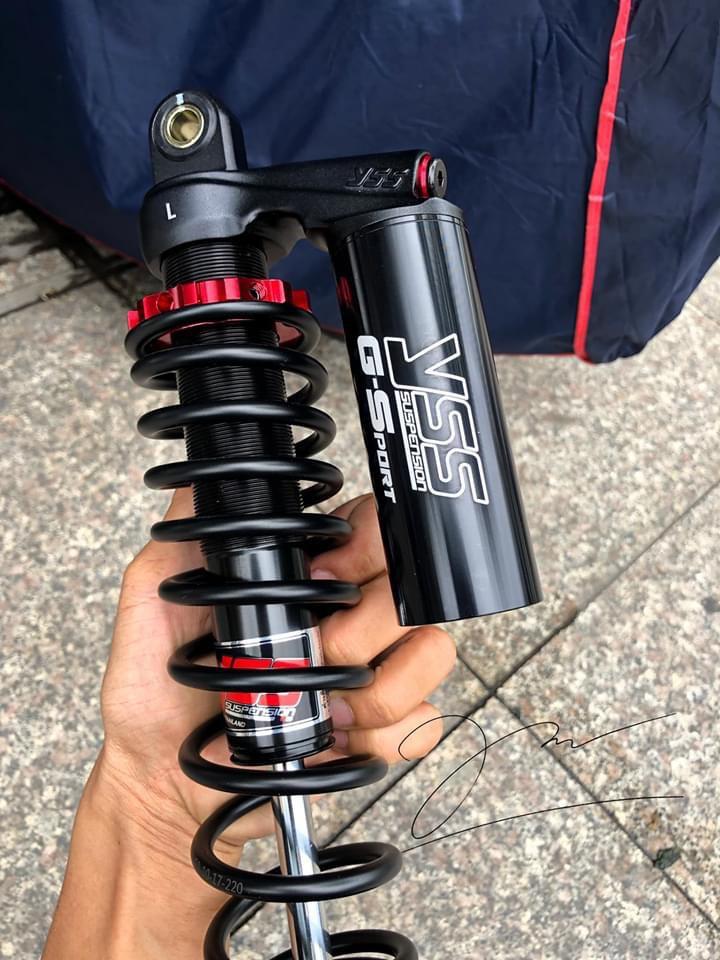 Phuộc Honda SH VN Bình Dầu Dài Khác nhau về thiết kế bình dầu Mẫu 375TRJ-04 sử dụng piston trong bình dầu phụ nên phuộc nhún vào có hành trình dài hơn so với mẫu cũ dùng bóng khí